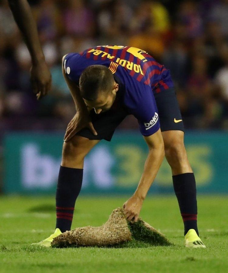 El estado del campo de juego del Valladolid despertó todo tipo de críticas (Reuters)