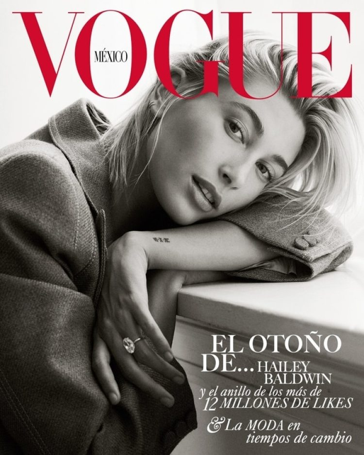 Hailey Baldwin en la portada de la edición de septiembre de Vogue México (Vogue México)