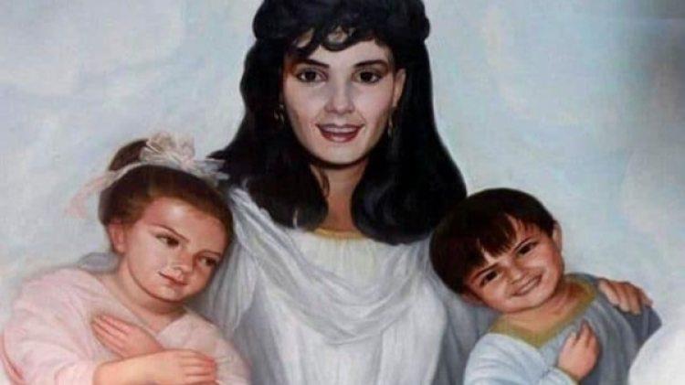 Guadalupe Lejía y sus dos hijos en una pintura en el techo del mausoleo