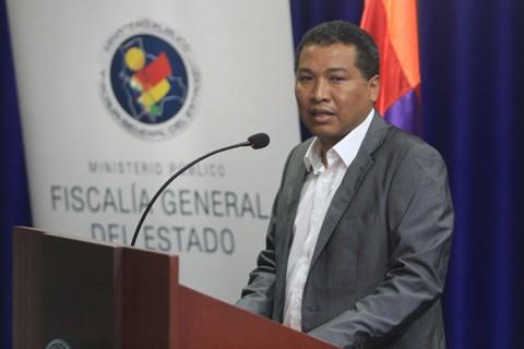 Renuncio-el-Fiscal-departamental-Freddy-Larrea