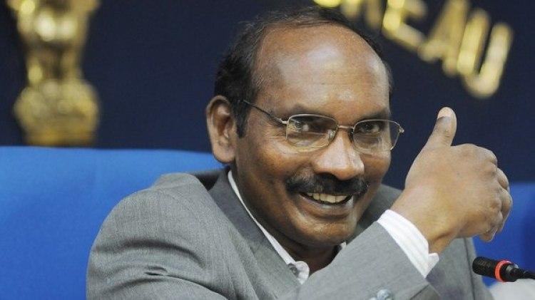 El presidente de la Organización de Investigaciones Espaciales de la India (ISRO), K. Sivan, ofrece una rueda de prensa en Nueva Delhi, India, para informar del objetivo de mandar por primera vez un hombre al espacio para 2022 (EFE)