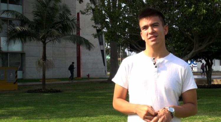 Luis Miguel Rojas-Berscia, el hiperpolíglota peruano al que The New Yorker siguió durante una semana mientras aprendía de cero una lengua nueva. (Pontificia Universidad Católica Peruana)