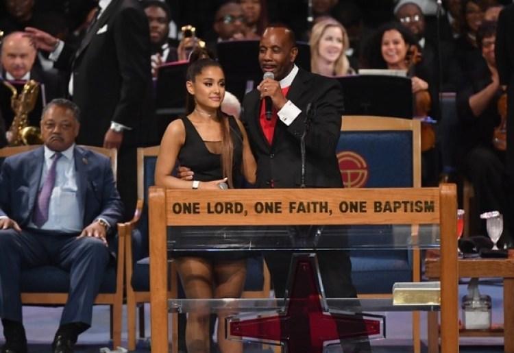 Ariana Grande se presenta durante el funeral de Aretha Franklin en el Gran Grace Temple el 31 de agosto de 2018 en Detroit, Michigan. / AFP PHOTO / Angela Weiss