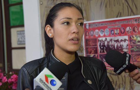 La senadora Adriana Salvatierra.