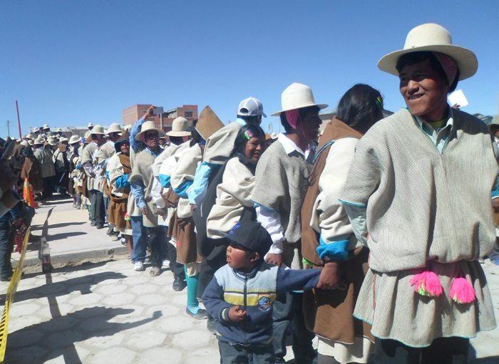 LA MILENARIA NACIÓN INDÍGENA URU CHIPAYA, UNO DE LOS 36 PUEBLOS ORIGINARIOS DE BOLIVIA ELIGIERON EN 2017 A SUS AUTORIDADES PARA EJERCER SU AUTONOMÍA.