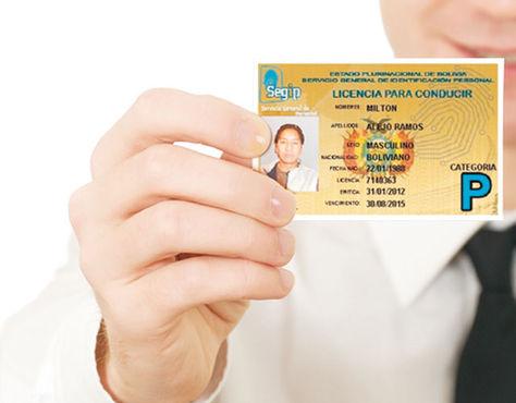 La licencia de conducir que se usa en Bolivia.