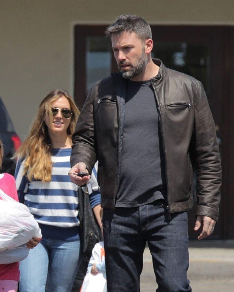 Ben Affleck con Christine Ouzounian, quien cuidaba a sus tres hijos (Grosby Group)