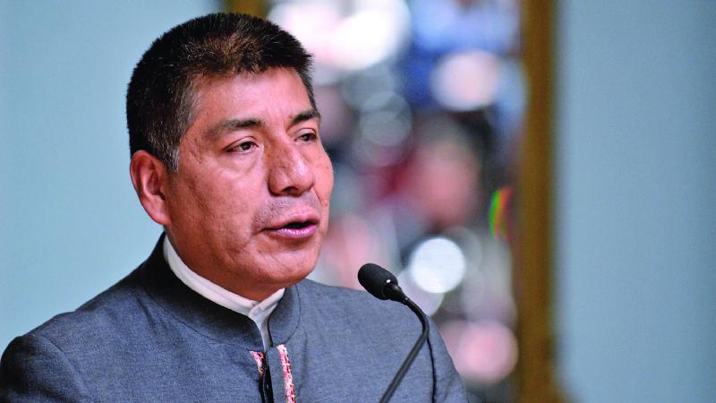 Escucha la entrevista en que Huanacuni llora al despedirse de la Cancillería