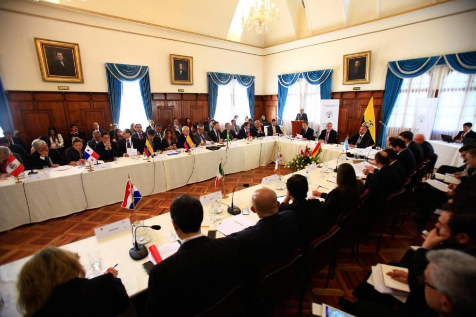 Los representantes de once países de América Latina en la reunión regional celebrada en Ecuador.