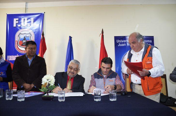 Alcaldía y UAJMS firman convenios para fortalecer atenciones en los consultorios vecinales de Tarija