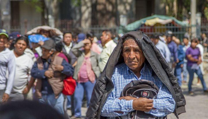 Residentes bolivianos comienzan a volverse a su país por la crisis argentina