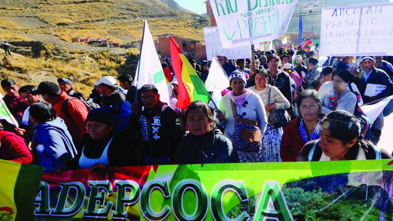 Los cocaleros de los Yungas inician bloqueo en Unduavi