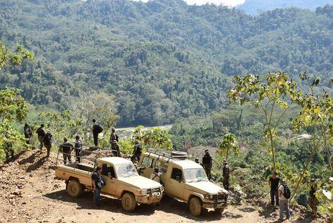 Las pesquisas que hace la Policía en La Asunta, Sud Yungas de La Paz.