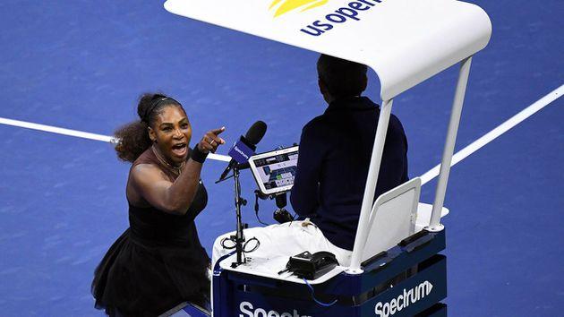La Federación Internacional de Tenis respalda a juez Carlos Ramos por el incidente con Serena Williams