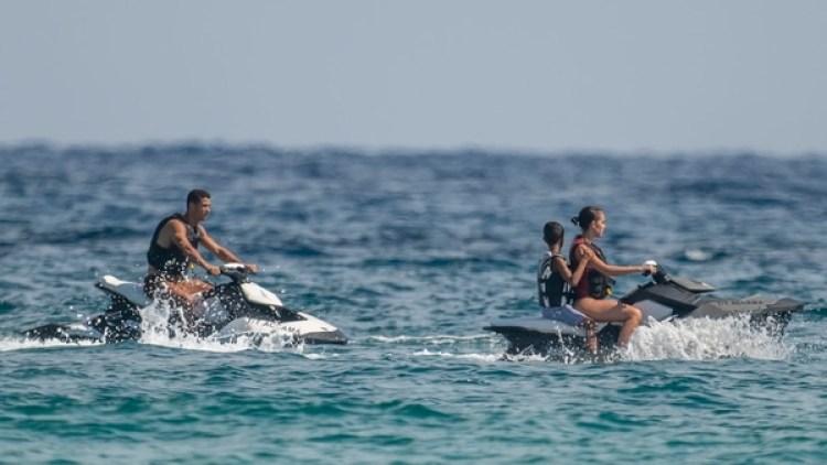 Cristiano Ronaldo y Georgina Rodríguez, de vacaciones en Saint Tropez (Grosby)