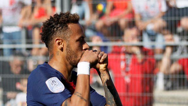 Dani Alves ayudó a Neymar para cambiar de actitud