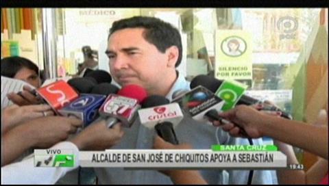 Alcalde de San José de Chiquitos visitó a Sebastián y se ofreció ayudarlo