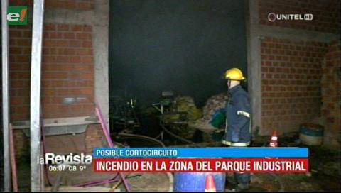 Incendio se produjo en depósito de fideos en el Parque Industrial