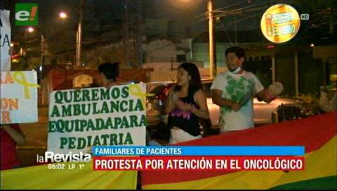Protesta de padres en el Oncológico, piden ser escuchados por el Gobierno