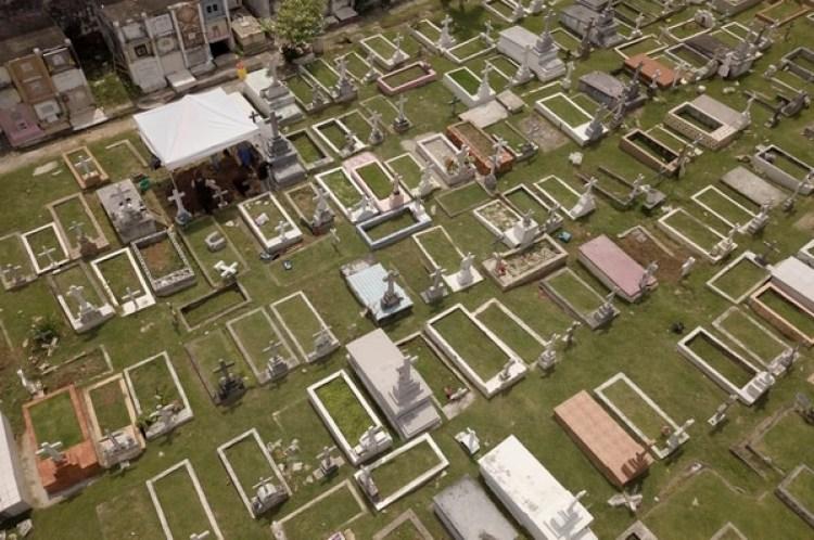 El cementerio donde está sepultado Julius H. Kroehl (AP Photo/Arnulfo Franco)
