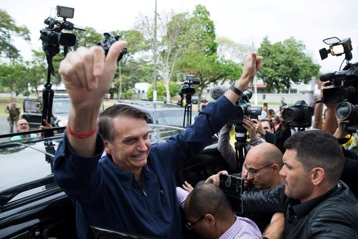Bolsonaro se impone a Haddad en la campaña por la presidencia de Brasil. (AFP)