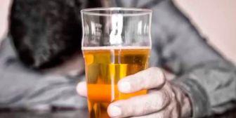 Detienen a funcionario por beber en oficinas del Tribunal de Justicia