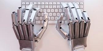 Cómo funciona la inteligencia artificial que ayuda a los escritores con sus novelas