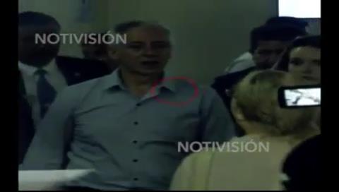 Mujer agrede con un escupitajo al Vicepresidente