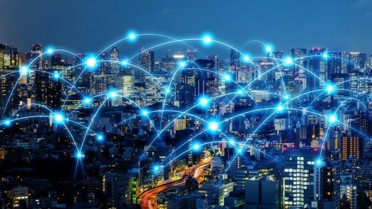 Tim Berners-Lee cree que hay que recuperar la esencia de internet asegurando el accesoy la libre circulación de información (Getty Images)