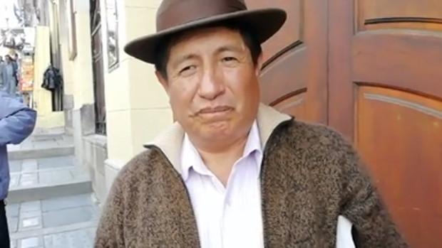 """El opositor Quispe aparece en el MAS y anuncia que ahora como """"militante"""" impugnará a Evo"""