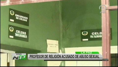 Policía aprehende a profesor de religión acusado por abuso sexual a estudiantes
