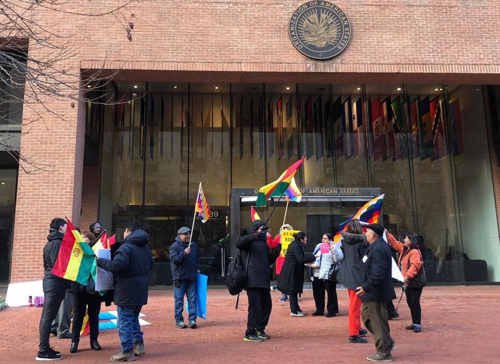 Gobierno defiende repostulación de Morales ante la CDIH — Bolivia