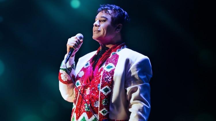 Juan Gabriel reaparecerá posiblemente el 7 de enero, rectifica su ex mánager