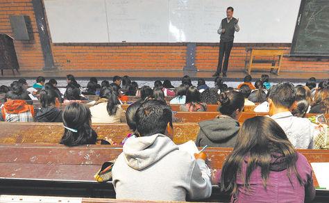 Universidades públicas aprueban la titulación con diplomado