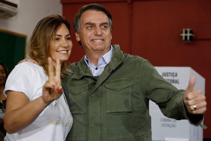 Michelle Bolsonaro confundió a Evita con Nacha Guevara — Papelón