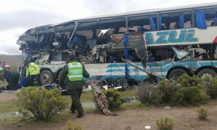 Tragedia: 22 muertos y 37 heridos en un choque frontal de autobuses