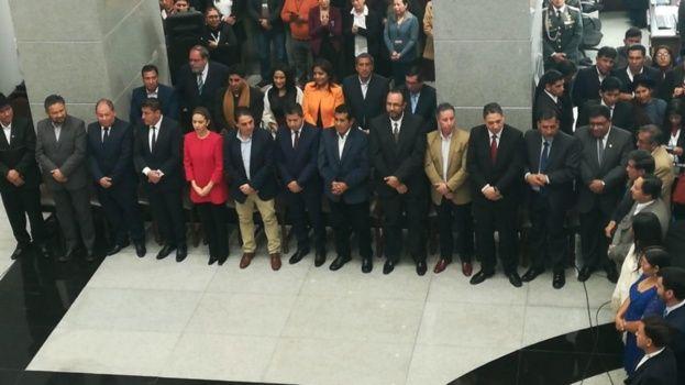 Evo hace siete cambios a su Gabinete de ministros; vuelven Quintana, Arce y Coca