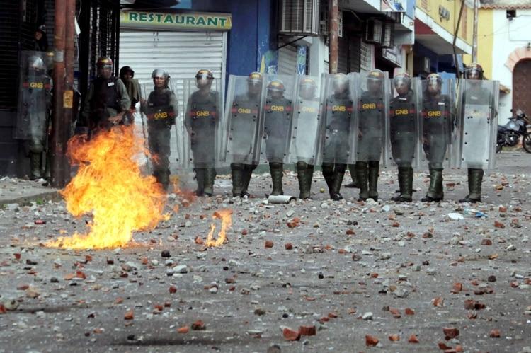 La Guardia Nacional Bolivariana reprimió a los manifestantes (Reuters)