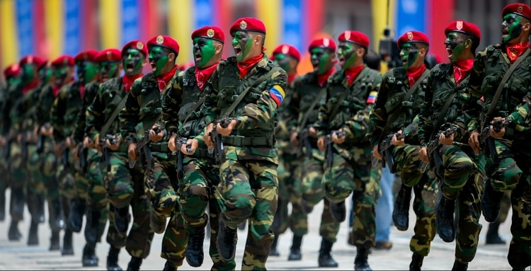 Maduro encabeza inicio de ejercicios militares