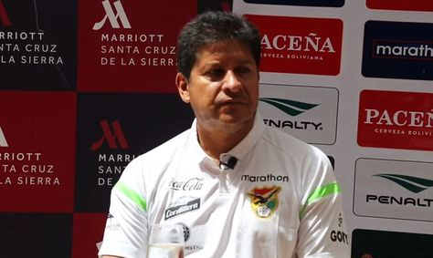 Villegas en la conferencia de prensa que ofreció este lujnes en Santa Cruz. Foto: FBF