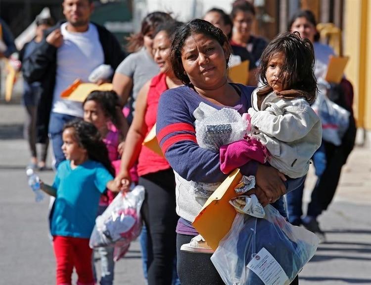 Los migrantes fueron dejados solos sin ningún tipo de asistencia (Foto: EFE)