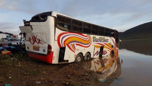 Mueren 22 personas en accidente en la vía Potosí-Oruro