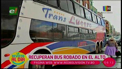 Policía recupera bus robado en El Alto