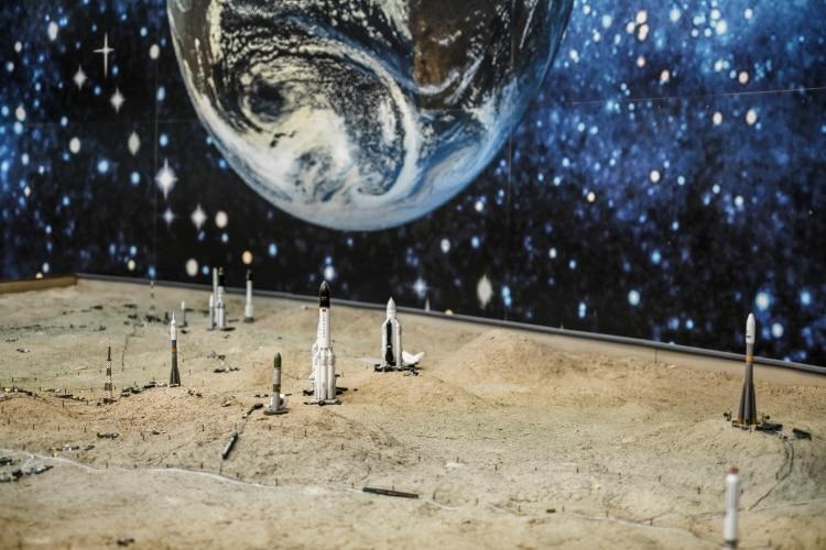Un modelo de los complejos de lanzamiento en el cosmódromo. (Maxim Babenko/The New York Times)