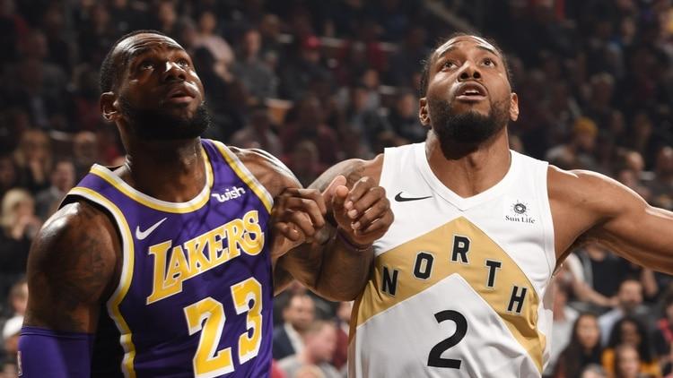 Los Angeles Lakers tiene en la mira a Kawhi Leonard desde hace varios meses. ¿Compartirá plantel con LeBron James la próxima temporada? (Getty Images/AFP)