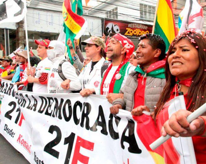Partidos políticos analizan la necesidad de priorizar la unidad de la oposición.