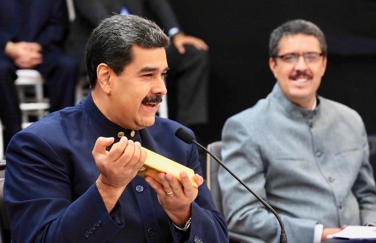 En un escenario internacional de sanciones, el régimen de Nicolás Maduro recurre a las reserva sen oro para tener efectivo