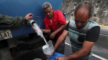 Abastecimiento de agua en Caracas, Venezuela, el 31 de marzo de 2019.