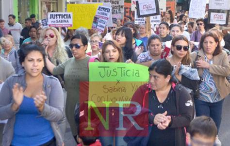 Marcha en La Rioja por la muerte de la niña Sabina.