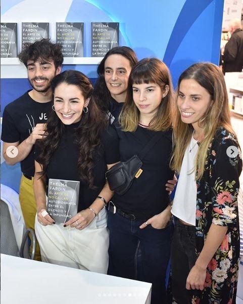 Thelma Fardin presentó su nuevo libro en la Feria Internacional del Libro de Buenos Aires (Instagram/ soythelmafardin)